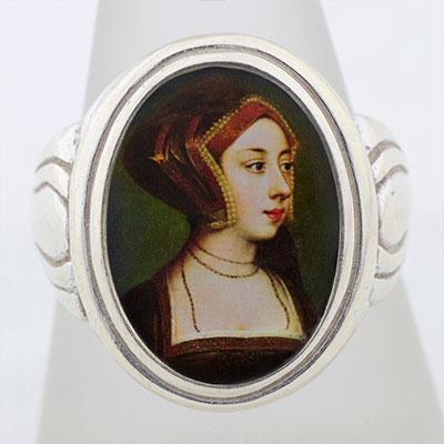 Anne Boleyn Gable Hood Cameo Style Ring