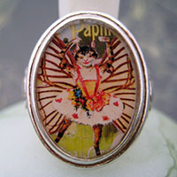 Dancing Kitty Cat Papillon Cameo Style Ring