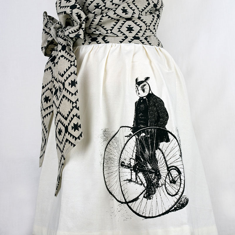 owl-skirt-apron-closesm.jpg
