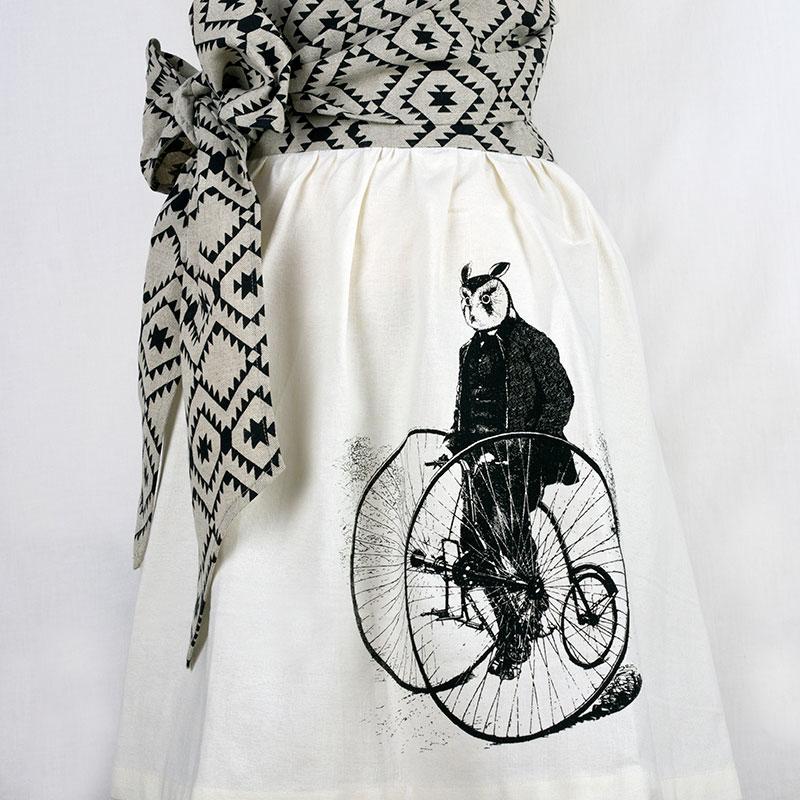 owl-skirt-apron-closesm.jpg