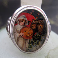 Witch with Pumpkin and Spooky Owls Cameo Style Ring